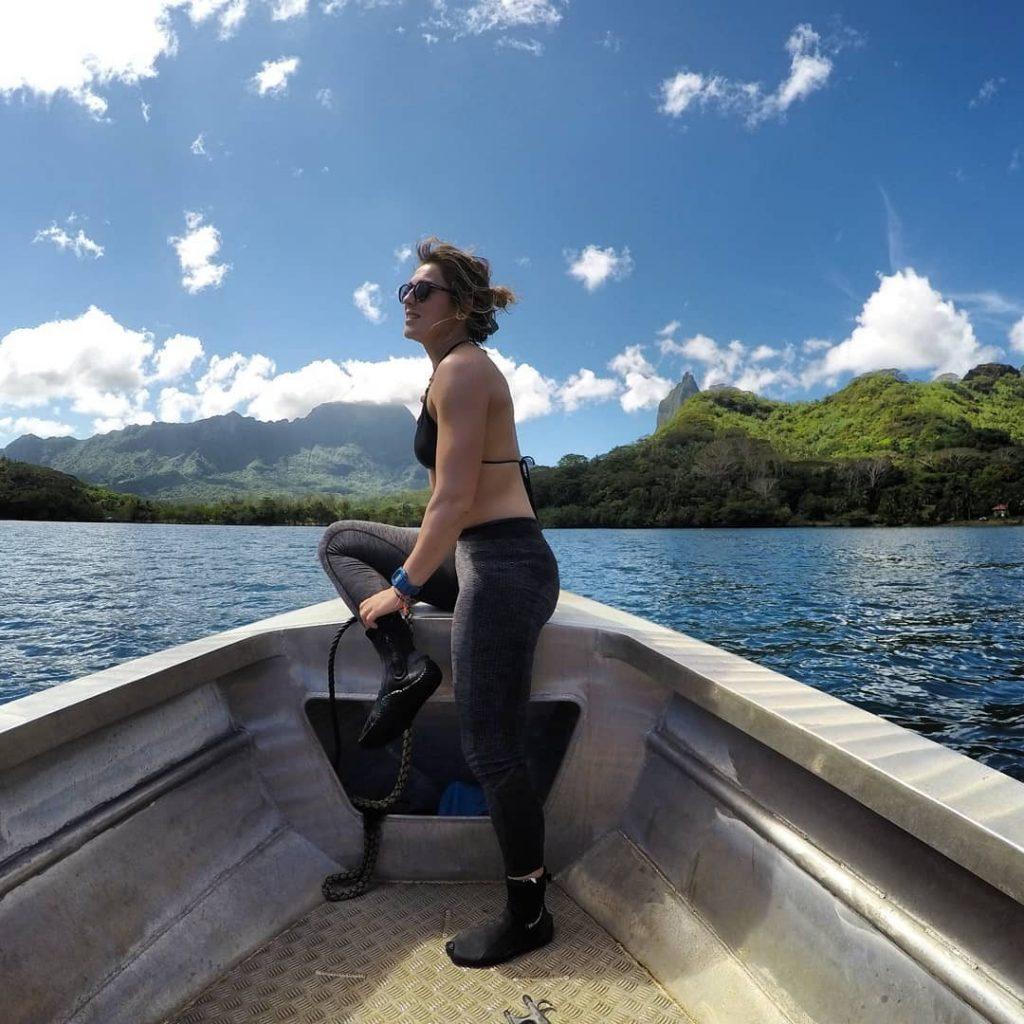 Op de boot voor veldwerk in Moorea